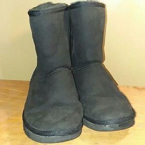 96bcbe013ad Women's Ugg Boots In Black   Poshmark